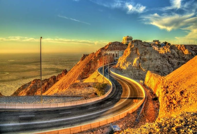 Go on a thrilling drive at the Jebel Hafeet